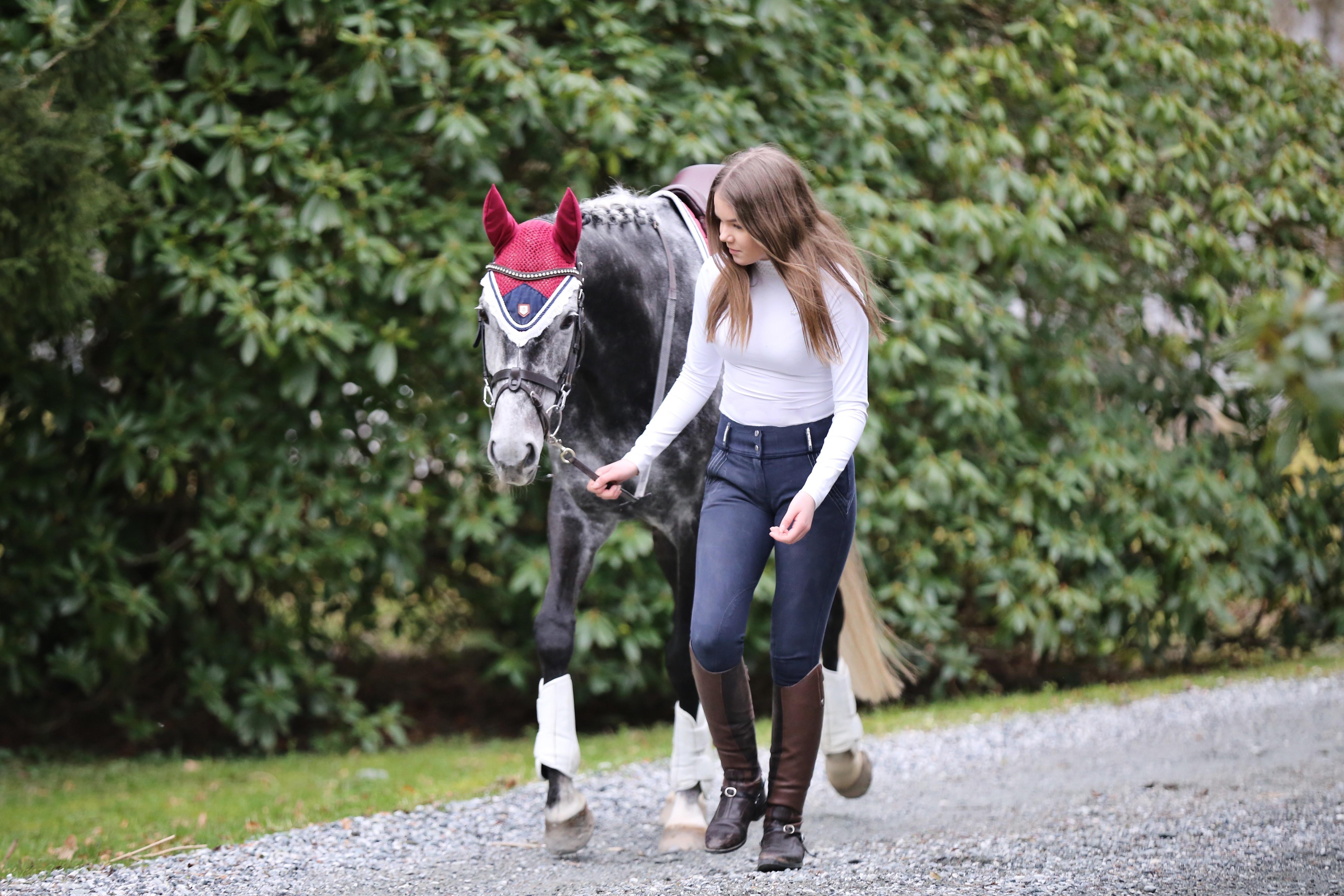 På spasertur med hest