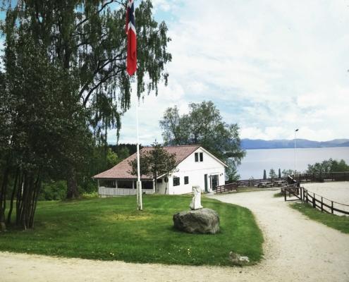 Rytterstuen og flagg