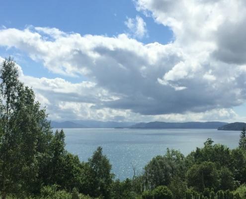 Skyer over Bjørnefjorden